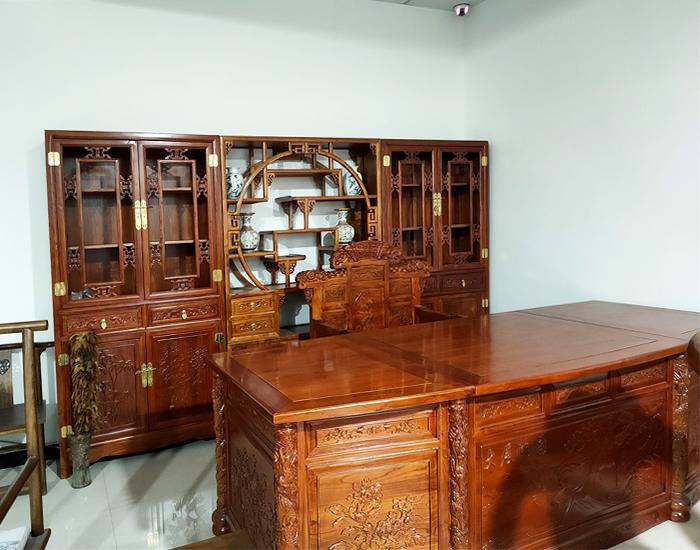 榆木办公桌